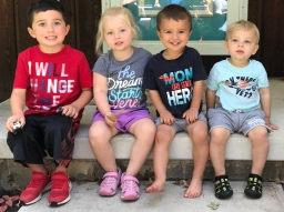 Ellie & Charlie with their cousins on Luke's side of the family, August 2020.